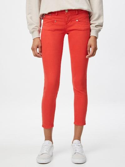 FREEMAN T. PORTER Jeans 'Alexa' in de kleur Oranjerood, Modelweergave