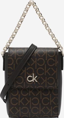 Calvin Klein Tasche in Braun