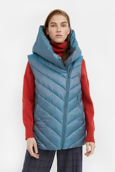 Finn Flare Steppweste in blau, Modelansicht