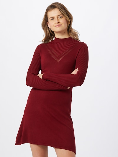 ONLY Robes en maille en rouge rubis, Vue avec modèle
