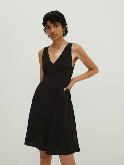 EDITED Φόρεμα 'Everly' σε μαύρο, Άποψη μοντέλου