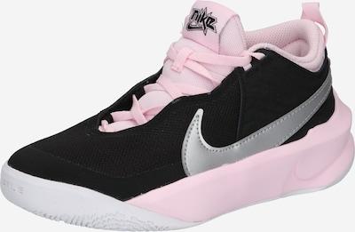 NIKE Chaussure de sport 'Team Hustle D 10' en gris / rose clair / noir / blanc, Vue avec produit