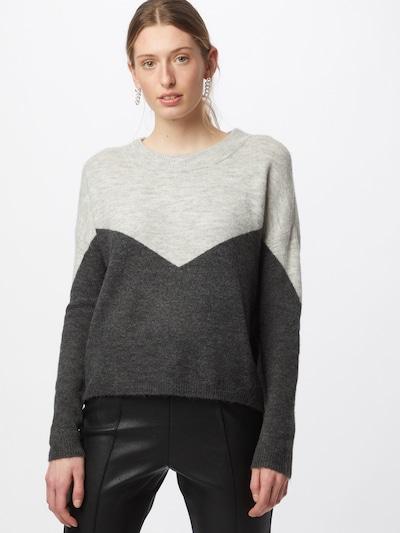 VERO MODA Pullover 'NEWRANA' i mørkegrå / grå-meleret, Modelvisning