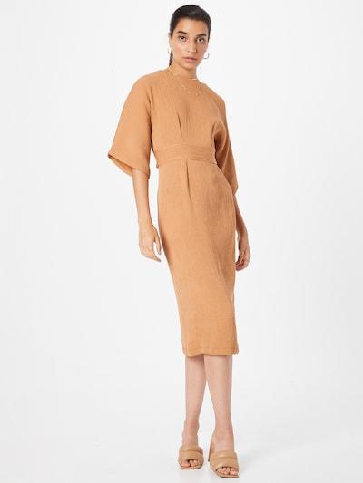 Closet London Kleid in camel, Modelansicht