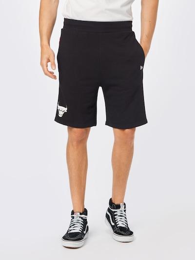 világospiros / fekete / fehér NEW ERA Sportnadrágok, Modell nézet