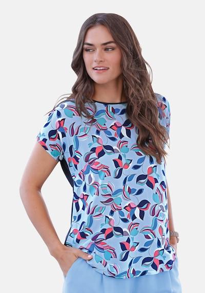 Emilia Lay Blusen-Shirt mit überschnittener Schulter in blau / hellblau / mischfarben, Modelansicht