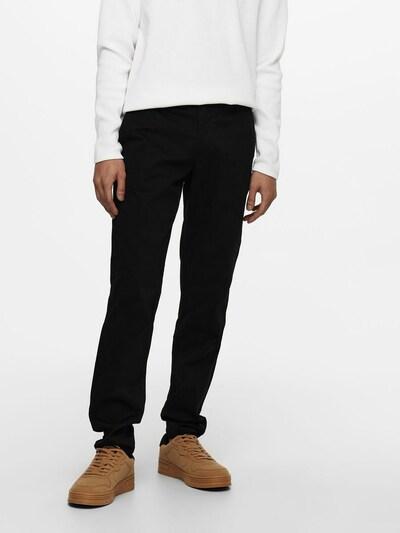 Only & Sons Chino in de kleur Zwart, Modelweergave