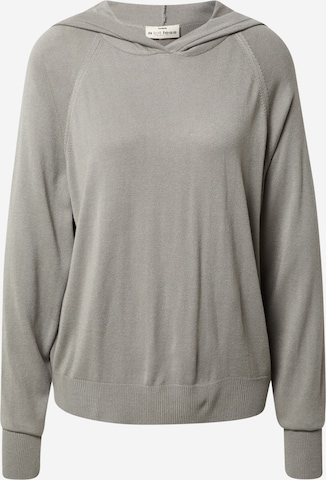A LOT LESS Pullover 'Rana' in Grey