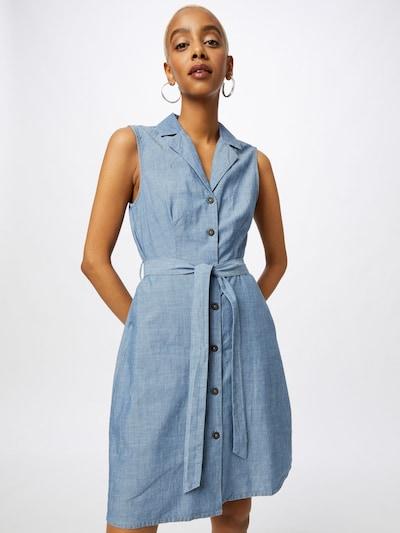 VERO MODA Robe-chemise 'AKELASANDY' en bleu denim, Vue avec modèle