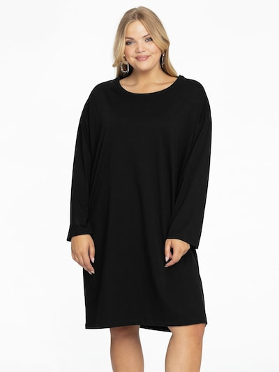 Yoek Tunic in Black, View model