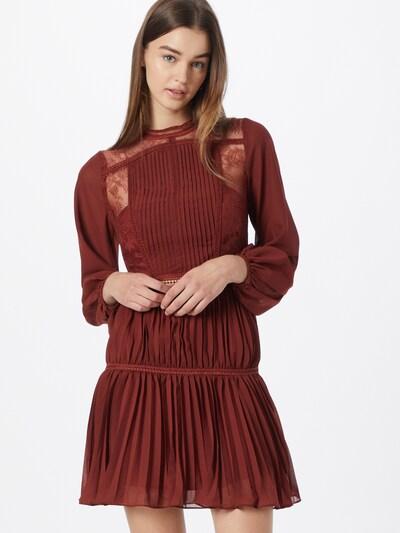 True Decadence Kleid in blutrot, Modelansicht