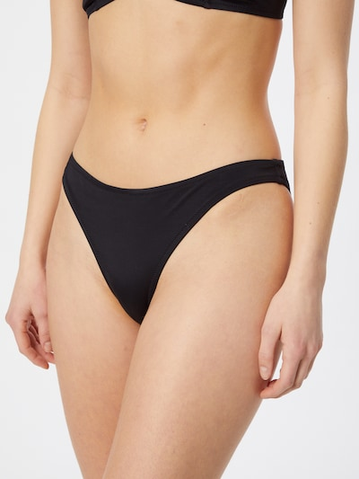 Slip costum de baie 'Kari' Samsoe Samsoe pe negru, Vizualizare model