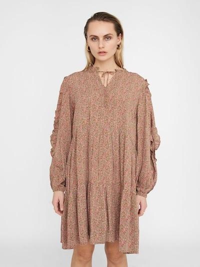 Noisy may Oversized jurk in de kleur Olijfgroen / Pastelgroen / Pink / Rosa, Modelweergave
