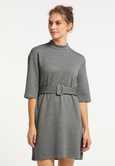 Usha Kleid in grau / weiß, Modelansicht