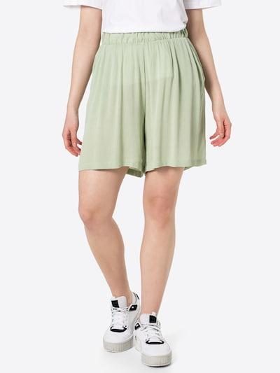 ICHI Shorts in pastellgrün, Modelansicht