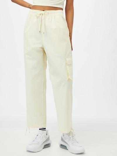 Nike Sportswear Hose in weiß, Modelansicht