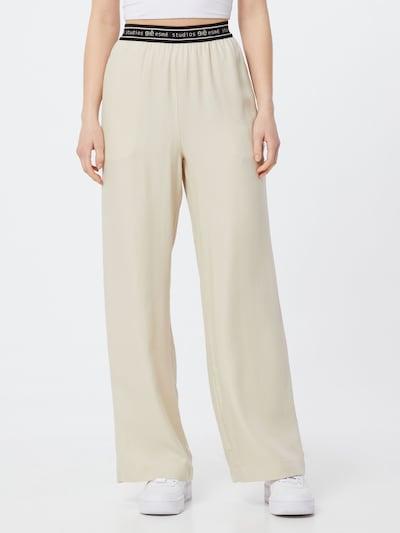 Esmé Studios Pantalon 'Eloise' en beige / bleu nuit, Vue avec modèle