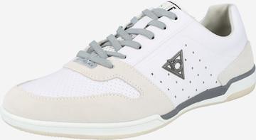 Chaussure de sport à lacets bugatti en blanc