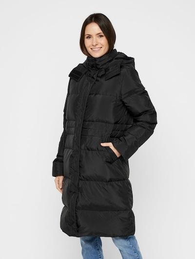 PIECES Manteau d'hiver en noir, Vue avec modèle