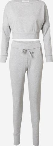 Femme Luxe Облекло за бягане 'BLAKE' в сиво