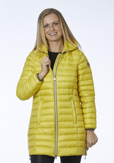 Danwear Mantel 'Anne' in gelb, Modelansicht