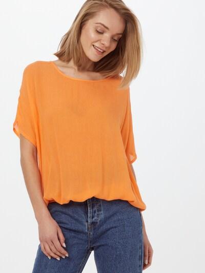 Kaffe Pusero 'Amber Stanley' värissä oranssi, Mallinäkymä