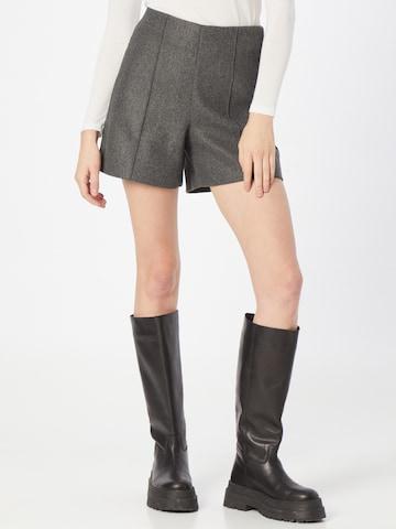 VERO MODA Shorts 'FORTUN SALLY' in Grau
