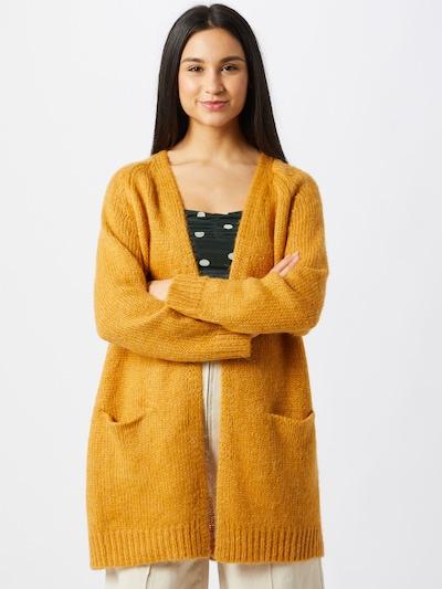 VERO MODA Cardigan 'NOMA' en jaune foncé, Vue avec modèle