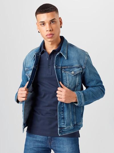 Geacă de primăvară-toamnă 'Foundation' Calvin Klein Jeans pe albastru, Vizualizare model