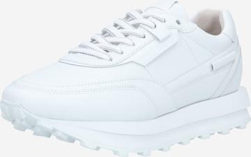Sneaker low 'Hero' de la Kennel & Schmenger pe alb