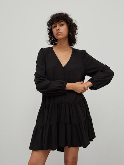 EDITED Robe 'Eileen' en noir, Vue avec modèle
