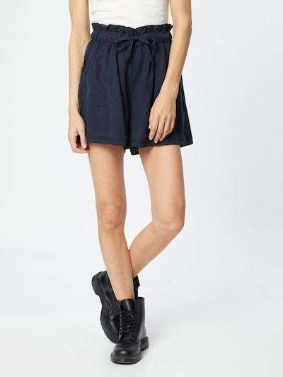 Alife and Kickin Shorts in blau, Modelansicht