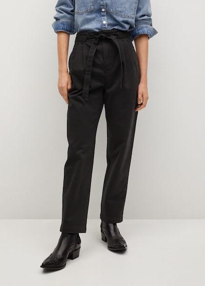 MANGO Bandplooibroek in de kleur Zwart, Modelweergave