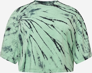 Urban Classics Curvy Shirt in Grün