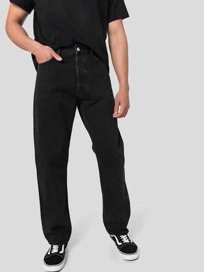 WEEKDAY Jeansy 'Space Seven' w kolorze czarny denimm, Podgląd na modelu(-ce)