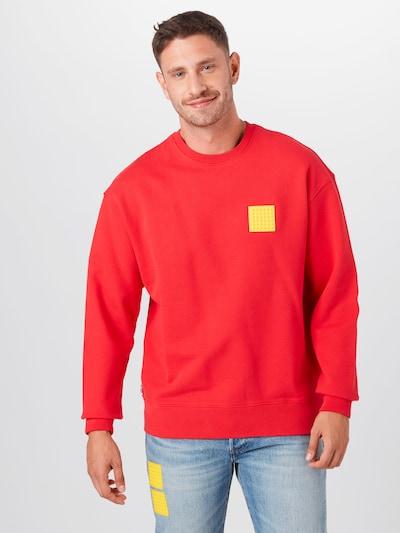 LEVI'S Sweat-shirt 'LEGO' en jaune / rouge: Vue de face