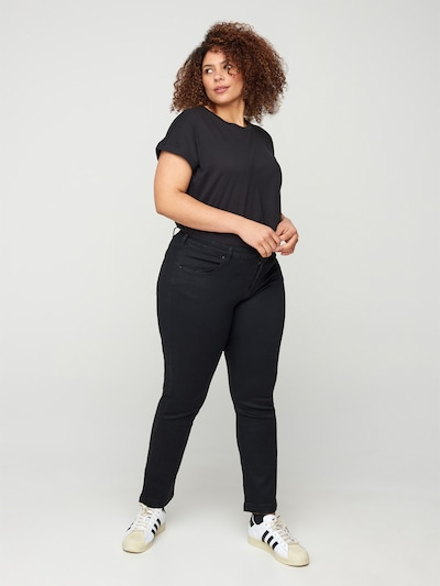 Zizzi Jeans 'EMILY' in black denim, Modelansicht
