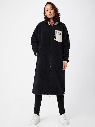 Tommy Jeans Overgangsfrakke i sort / hvid, Modelvisning