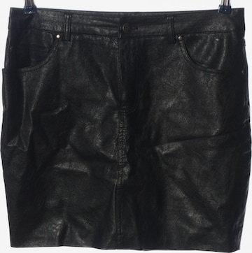 BDG Urban Outfitters Skirt in M in Black