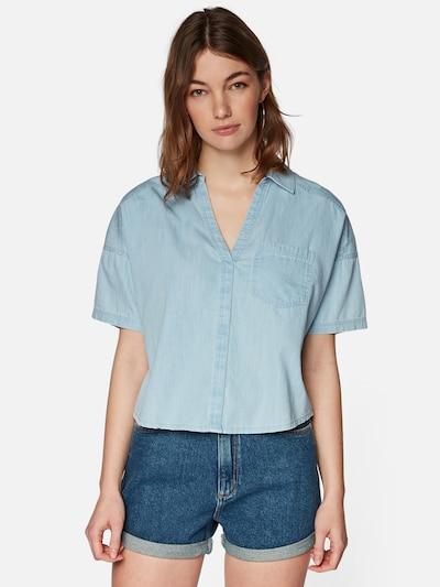Mavi Bluse in hellblau, Modelansicht