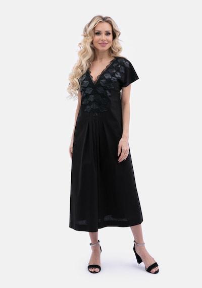 Wisell Abendkleid in schwarz, Modelansicht