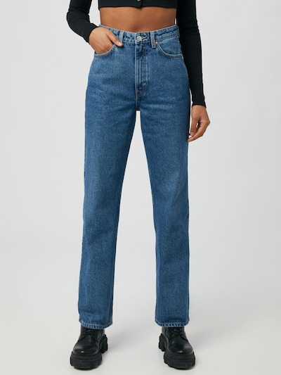 WEEKDAY Jeansy 'Rowe Echo' w kolorze niebieskim, Podgląd na modelu(-ce)