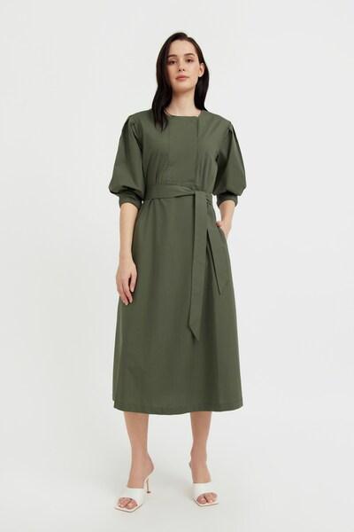 Finn Flare Sommerkleid in dunkelgrün, Modelansicht