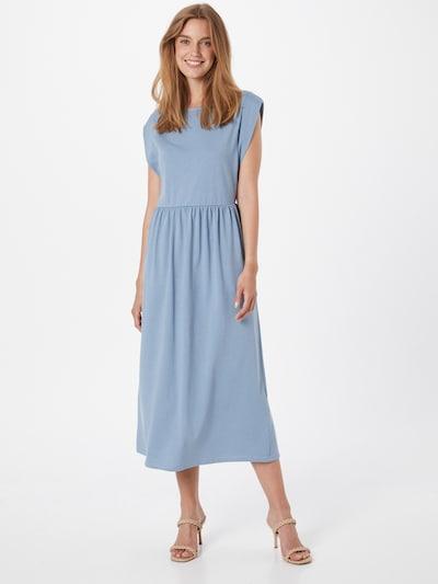 Rich & Royal Kleid in rauchblau, Modelansicht