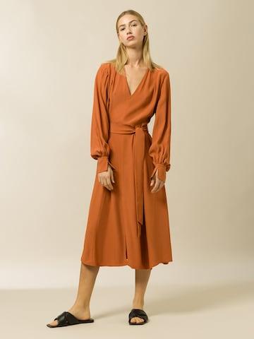 IVY & OAK Mekko värissä oranssi