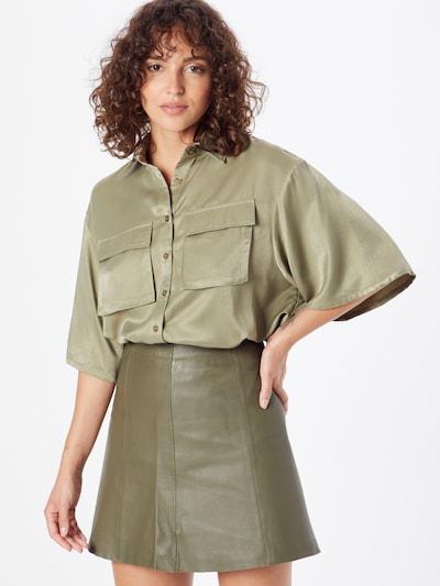 Bluză CLUB L LONDON pe oliv, Vizualizare model