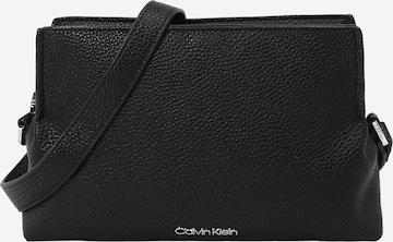 Calvin Klein Umhängetasche in Black