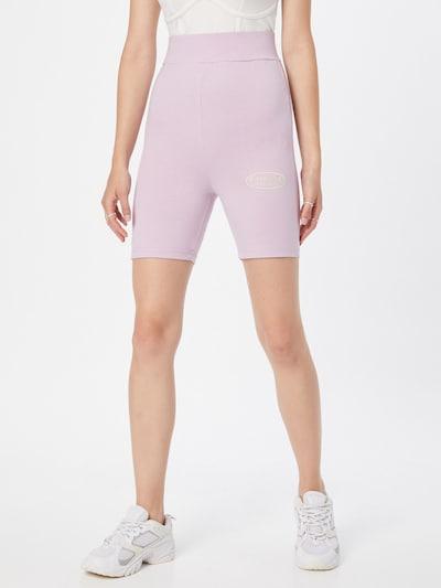 Missguided Shorts in mauve / weiß, Modelansicht