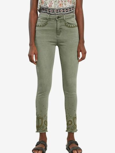 Desigual Jeans in de kleur Olijfgroen, Modelweergave