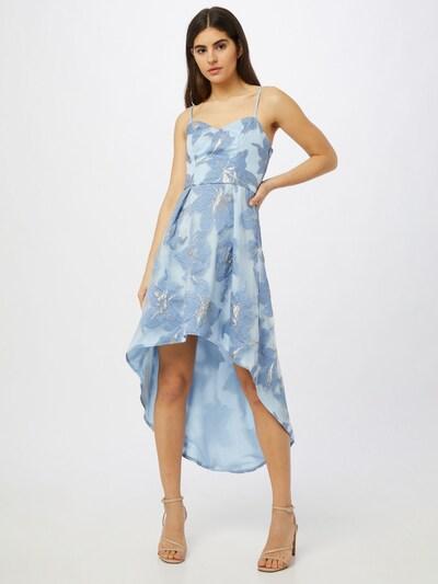 Chi Chi London Kleid 'Sara' in rauchblau / hellblau / silber, Modelansicht